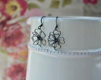 Black Flower Earring, Gunmetal Earrings, Wirework Earrings, Black Flower Jewelry, Wire Drop Earrings, Light Earrings, Wire Jewelry, For Her