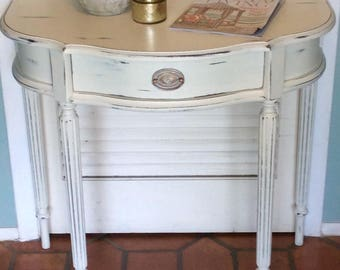 White Foyer/Side Table White Distressed