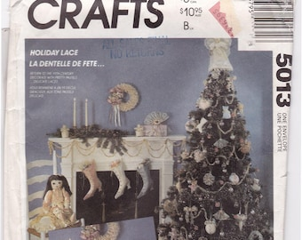 FF CHRISTMAS ORNAMENTS Pattern, Angel Tree Topper, Victorian Boot Stockings, Holiday Ornaments Sewing Pattern, McCalls 5013, Uncut