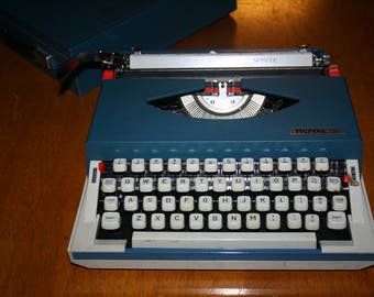 Royal Sprite Typewriter Vintage