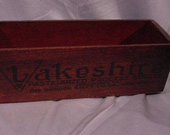 Advertising Cheese Box Wooden 5 Pounds LAKESHRIRE from Bordens Dairy