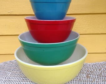 Vintage 1950s Pyrex Primary Colors Nesting Bowls Mixing Bowls Full Set of 4