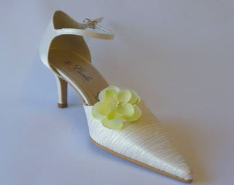 Shoe clips with flowers in tergal anise on metal clip