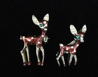 Vintage Gold Tone Enamel Deer & Fawn Brooch/Pins (JT2)