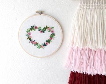 Valentine Wreath, valentines day gift for her, gift for wife, gift for girlfriend mom, needle felted embroidered, flower bouquet wall art