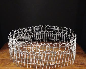 Vintage 5.75 Feet of Fencing for Christmas Village / Fairy House / Dollhouse / 5.75 Feet Long / Shabby Chic