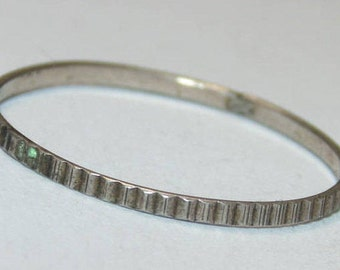 Sale R1390 + Vintage Estate Sterling Silver Slim Thin Etched Texture Tiny Band Ring US Size 7.5 925 Jewelry Jewellery UK Size P Gift For Her