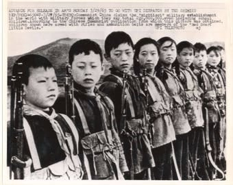 Press photos Communist Chinese child soldiers boys & girls with rifles 1965