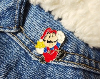 Super Mario 90s Nintendo Gameboy Computer Game Pin Badge