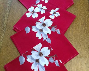 "4 Napkins Wilendur Red White Dogwood, Vintage Printed Cotton, Four 16"" Cloth Dinner, 1950's Cottage Chic Bungalow Kitchen"