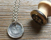 OUTLANDER Jewelry / Forget Me Not / Charm Pendant