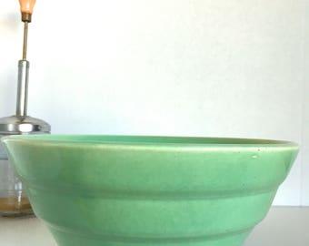 Beehive Ceramic Mixing Bowl Glossy Aqua Green Mint Green Bauer? 12? Ring Ware