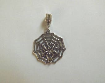 pretty pendant silver Web with Spider and skull 33 x 31 mm