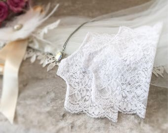 """Wedding gloves, white stretch lace gloves, fingerless gloves, lace gloves, small white gloves, gloves,  6"""" long,  ready to ship,"""
