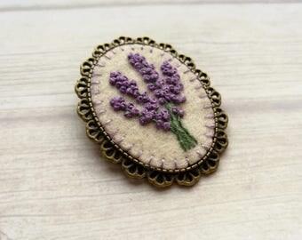 Embroidered Lavender Brooch, Floral Brooch, Lavender Flower Brooch, Lilac Brooch, Gift for mom, Gift for women