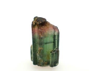 Tourmaline crystal from DRC - 1.4gm / 15mm x 9.7mm x 7.1mm (B879)