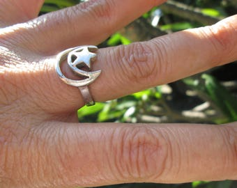 Sterling Silver Moon and Star Ring  Size 7.25