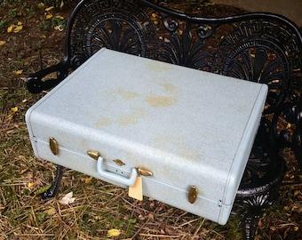 Vintage Baby Blue Samsonite 26 Inch Pullman Style Suitcase