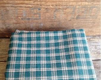 Vintage Green Plaid Homespun Fabric. 1980's Vintage Fabric. Vintage Sewing. Vintage Cotton Fabric. Quilting Fabric. Doll Making Fabric.