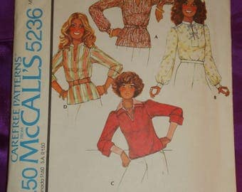 1970s 70s Vintage Pullover Top Long Cuffed or Three Qrtr Turned Up Sleeves Slit Neck 4 Vws UNCUT McCalls Pattern 5236 B32.5 34 US 83 87 CM