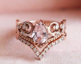 Morganite Wedding Set, Morganite Engagement Ring Set, Pear Morganite Ring with V Diamond Band, Vintage Inspired Wedding Ring Set, Capucinne