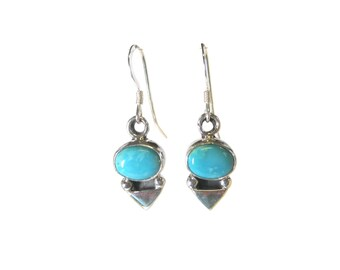 Simple Vintage 90s Turquoise Dangle Earrings