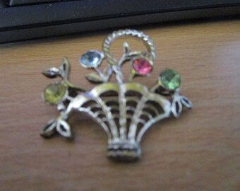 vintage silvertone basket of flowers brooch with 4 sparkling stones in lemon,blue,pink and green good condition