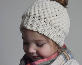 Childrens Messy Bun Hat, Kids Messy Bun Beanie, Top Knot Beanie, Kids Clothes, Ponytail Hat, Childrens Messy Bun Beanie, Crocheted Hat