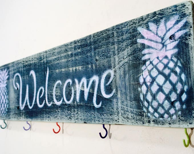 Pineapple decor door hanger /custom wood signs welcome sign with 5 hooks/ key holder coat rack wall /wood entryway organizer mudroom storage