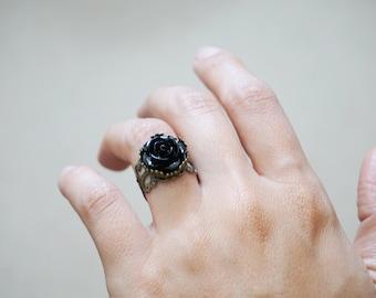 Black Rose Ring Gothic Lolita Ring Resin Flower Ring Ornate Victorian Rings Vampire Diaries Jewelry Twilight Halloween Rings Dark Bride Ring