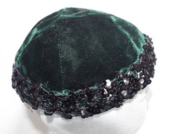 Vintage Ladies 1940s Bottle Green Velvet Skull Cap trimmed with black sequins