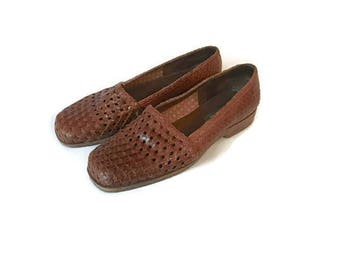 Vintage Brown Leather Loafers 1980s LL Bean Moccasins Woven Flats BOHO HIPSTER preppy womens size 8