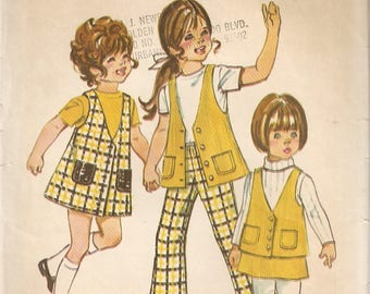 VINTAGE Simplicity Sewing Pattern 9476 - Children's Clothes - Jumper, Vest, Skirt and Pants, Size 2