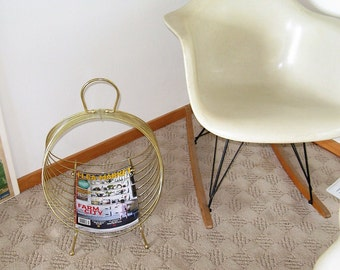 1960's Cool Atomic Style vintage wire Magazine Rack Holder, Mid-Century Style gold wire