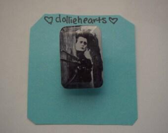 Edward Scissorhands pin/brooch