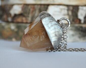 big RUTILATED QUARTZ,phantom quartz necklace,quartz with inclusions,dainty jewelry,raw jewelry,raw stone necklace,lodolite quartz