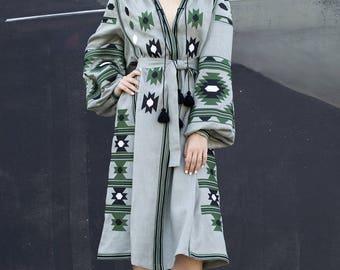 Green linen embroidered dress vyshyvanka. Ukrainian vyshyvanka dress, mexican dress, Kaftan, Abaya, Caftan. Free Shipping Boho style