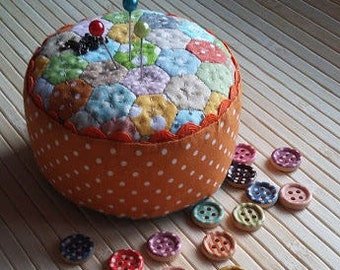 Orange Mini Hexagon Polka Dot Pincushion Sewing Room Decor Cute Polka Dots Cushion Gifts For Quilters Quilt Pincushion Craft Room Storage