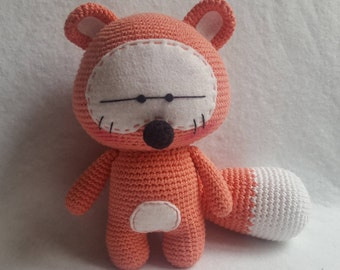 Plush raccoon /Peluche the raccoon amigurumi Heart amigurumi heart