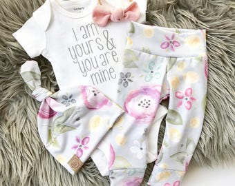 Grey floral 4 piece new baby girl outfit | I am yours you are mine baby girl | pink knot on natural nylon headband | bringing home baby |