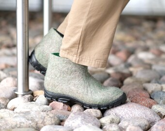 Handmade Men Felt Ankle Boots Valenki Eco Friendly Wool shoes Gray Green Boot Slippers Men Snow boots Winter felt shoes Lagom Gift for Men