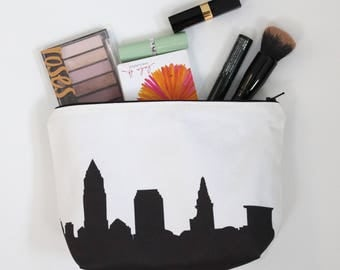 Cleveland City Makeup Bag - Skyline Silhouette
