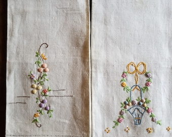 Guest Towels, 1950s, embroidery, set of 2 linen, set of 3 huck, Good Vintage Condition