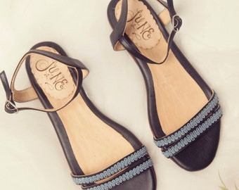 Simona Black. Sandal in black leather and. Handmade in Argentina
