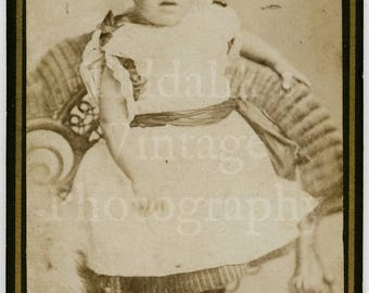 CDV Carte de Visite Photo Little Victorian Girl or Boy in Dress (?) Portrait - John Avery of London England - Antique Photograph