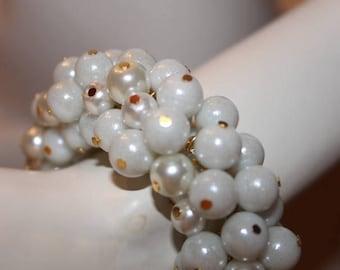 white pearl bracelet, white pearl jewelry, white beaded jewelry, white beaded bracelet, bracelet white pearls, pearl jewelry white, white