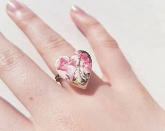 Vintage floral heart ring. Heart shape ring. Vintage pottery ring. Love heart ring. Love heart jewellery