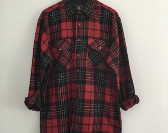 FREE US SHIPPING | Red Black and Gray Plaid Flannel Button Down Lumberjack Shirt | Large