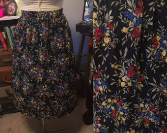 1990's black floral skirt || pockets and elastic waist