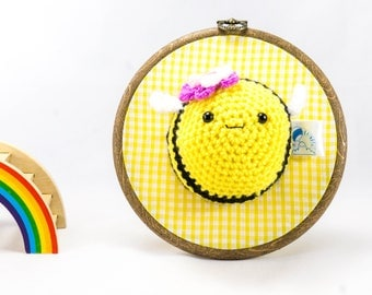 Crochet bee, bee wall decor, nursery decor, childrens bedroom